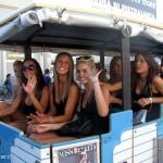 Alla fine il pezzo forte: un trenino pieno di... ragazze direttamente da Miss Italia ha invaso lo stand Bear. Foto Elisa Ferrari