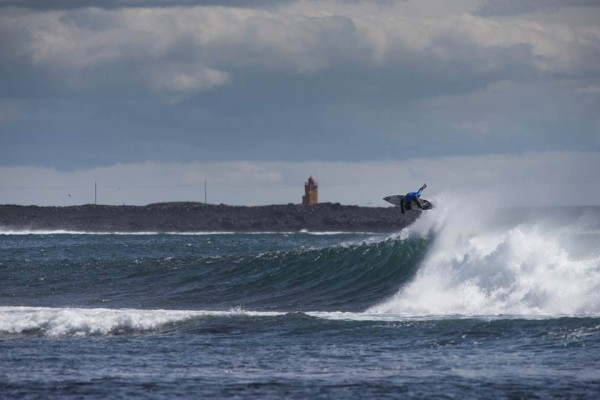 Nixon-Surf-Challenge2013-Web-(c)ElliMagnusson-WilliamAliotti-0
