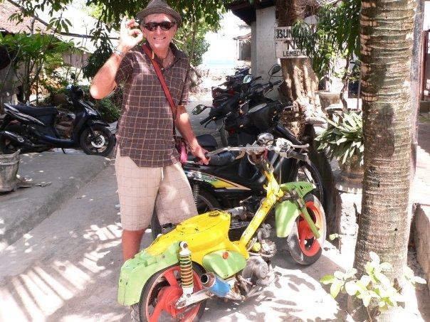 Il mezzo di Uncle Rod a Bali, Stile a badilate (foto della moglie di Uncle Rod)