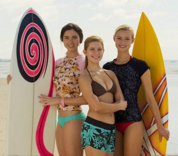 alien-surf-girls10