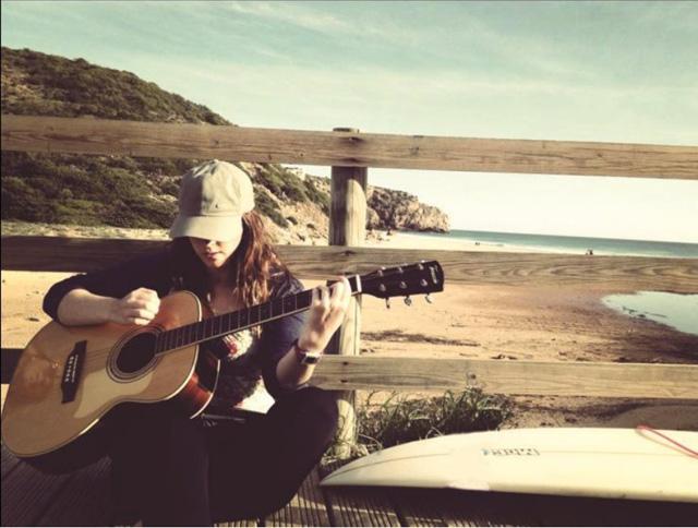 singing-onwater