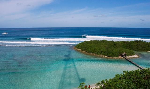 maldive_surf_cokes